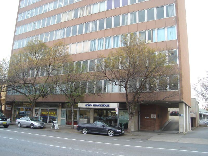 SINGLE OFFICES FOR LEASE