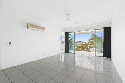 2 Bedroom Apartment In Great Location with 2 carspaces