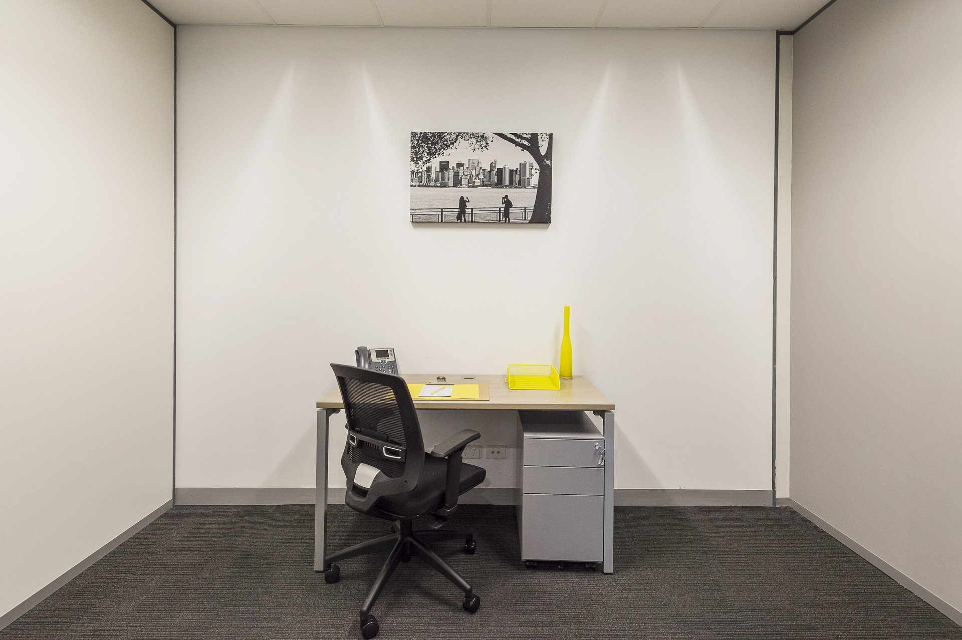 Need an office space in the dynamic CBD of Melbourne? Call today. Start tomorrow!