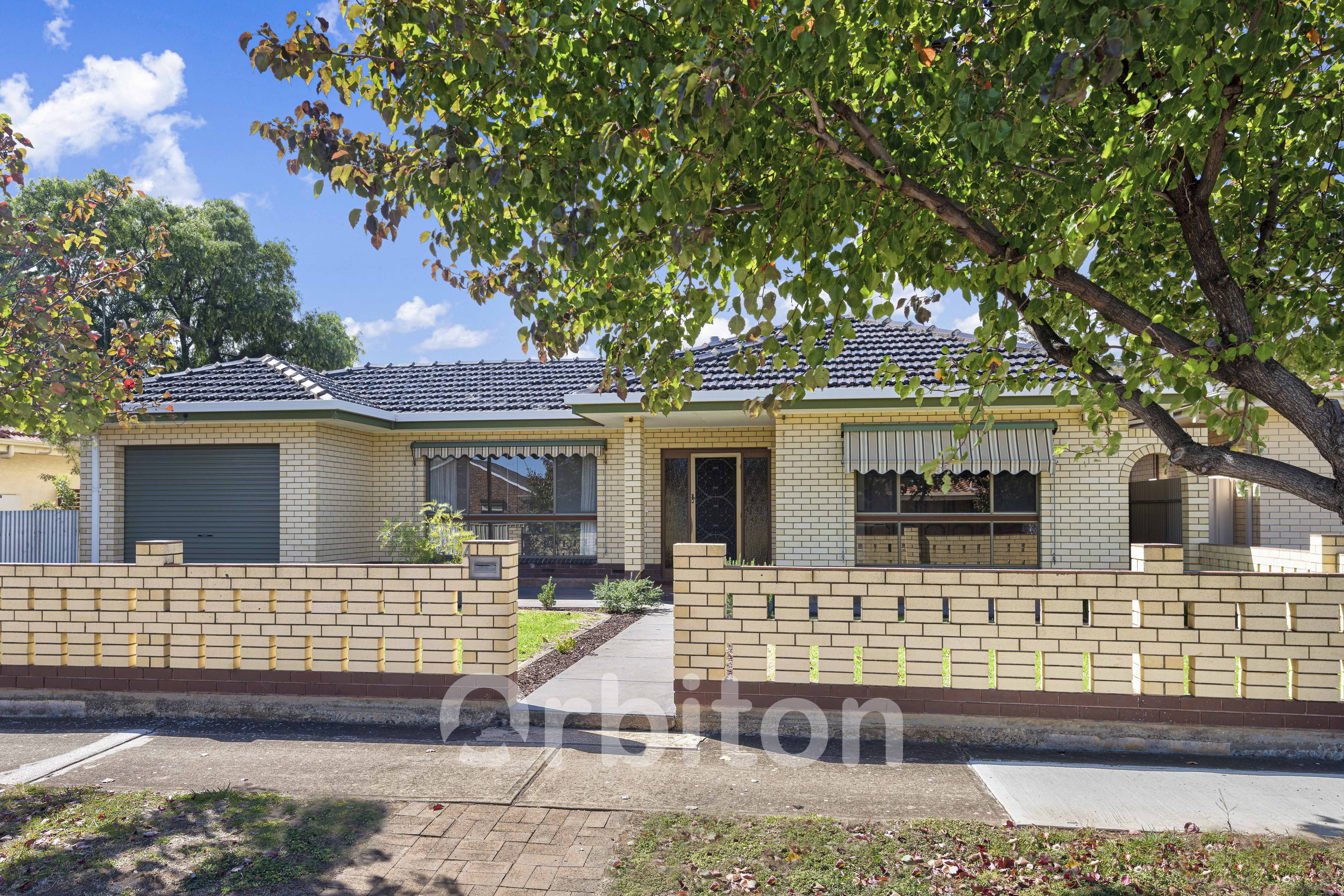 4 Lachlan Ave, Woodville West SA 5011