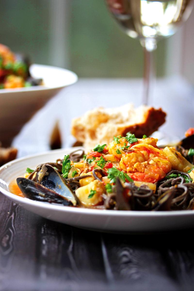 Italian Waterfront Restaurant Taking $18,000 P.W