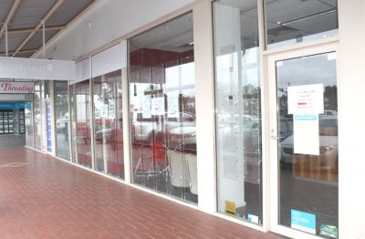 Rare office/retail in Altona Meadows