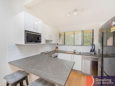 IMMACULATELY PRESENTED MODERN LIVING