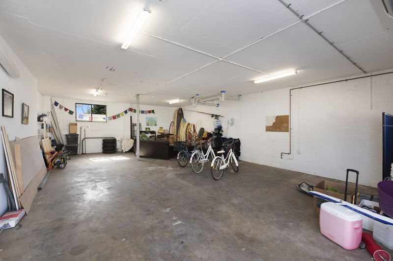 The Ultra Mix - Residence / Office Plus a Workshop / Warehouse