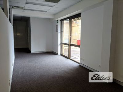 FUNCTIONAL OFFICE IN THE HEART OF WOOLLOONGABBA!!
