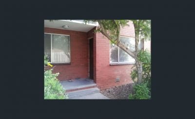 Conveniently located 2 bedroom unit