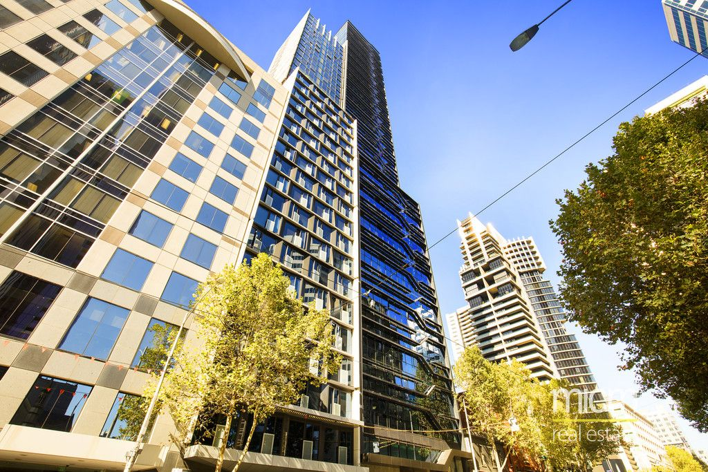 Style and Light in this North-Facing CBD Beauty!