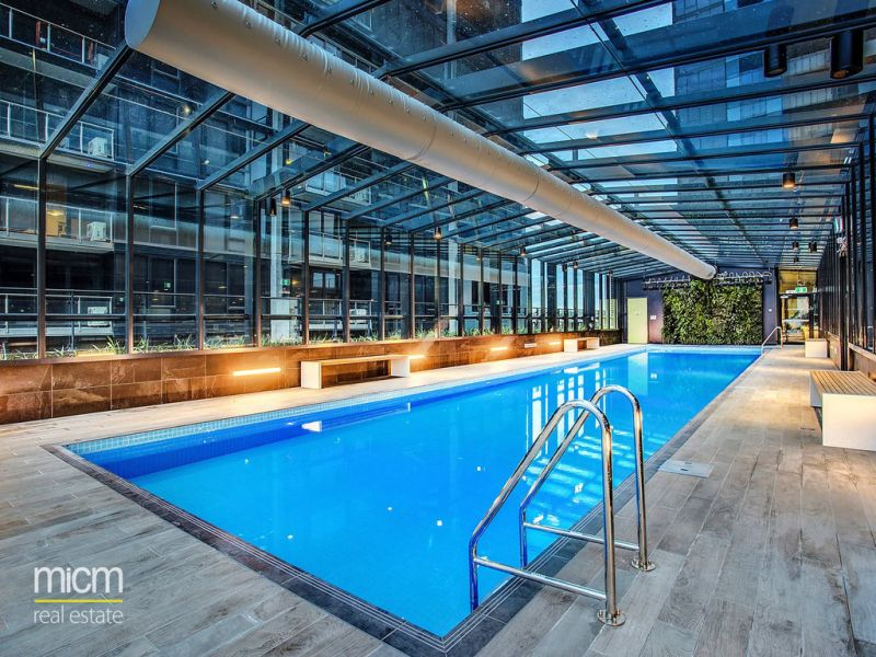 Southbank Central: Stunning One Bedroom Apartment in Fantastic Location! L/B