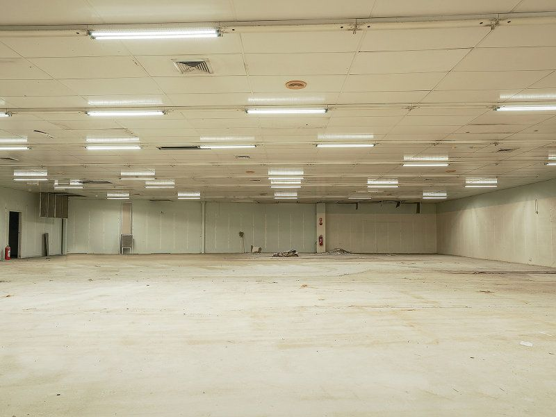 Large Central Maitland Space for Lease!