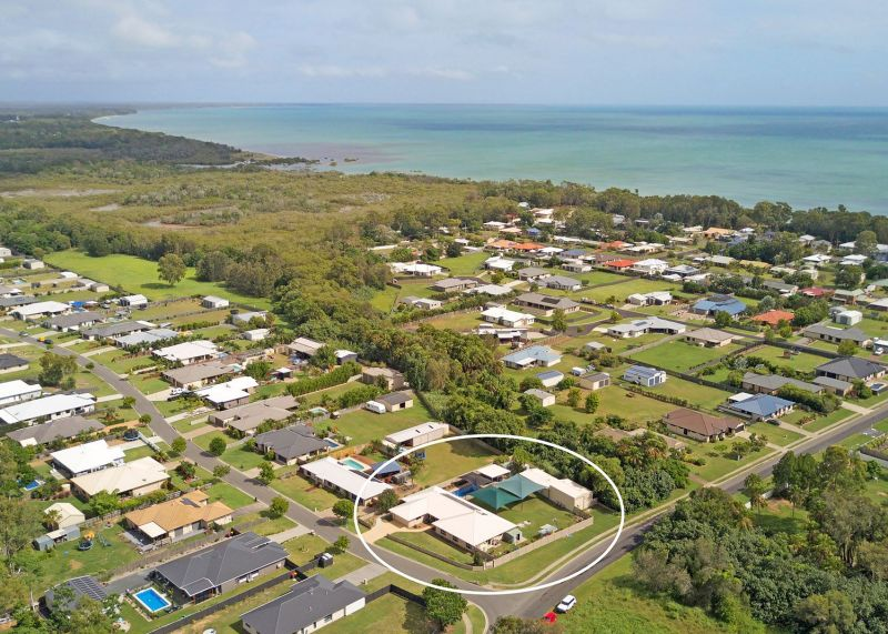 Think Big, Massive 5 bedroom Home With Pool & Sheds