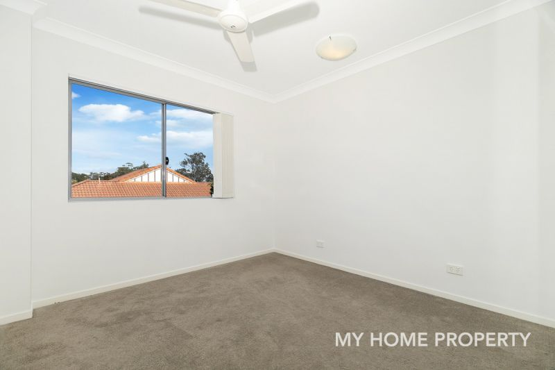 FRESH BRIGHT AND AIRY 3 BED UNIT, WITH RELAXING OUTLOOK