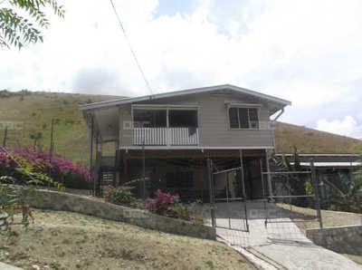RHEV 415: Duplex House in Friendly Neighborhood