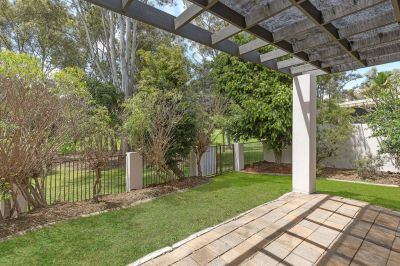 Quality Park Front Home! Heart Of Robina!