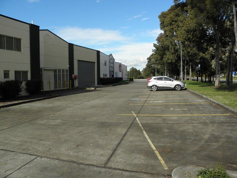 Bulky Goods Warehouse with Main Road Exposure..