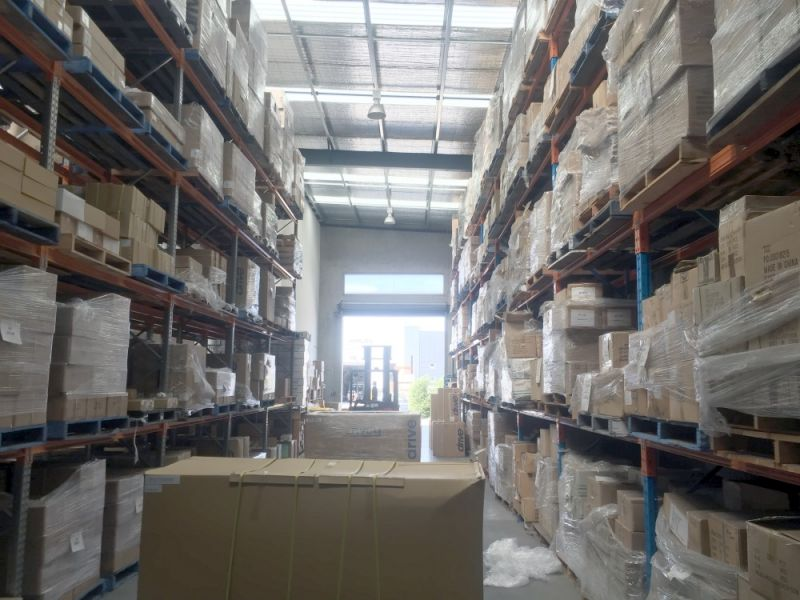 CORPORATE OFFICE WITH WAREHOUSING!