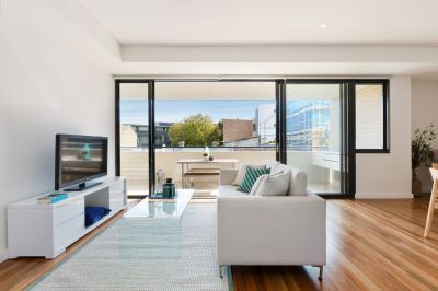 Immaculate Executive Apartment in Esteemed 'Envi' Building