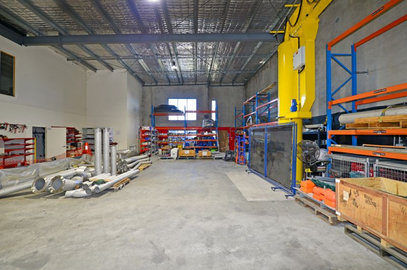 Office Warehouse With Crane, Racking And Street Frontage