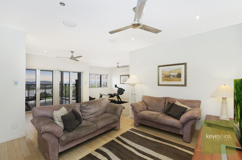 22 The Point, Castle Hill