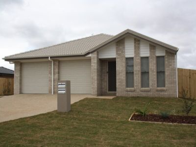 Big 3 Bedroom Unit in Cambooya Ridge!