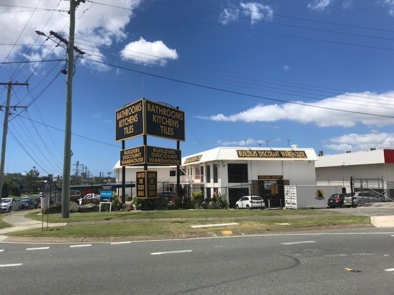 LEASE - HIGHWAY FRONTAGE - GREAT EXPOSURE