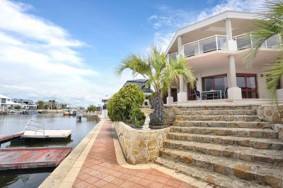 Live The Dream - Sensational Waterfront Living with Private Jetty