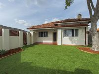 IDEALLY LOCATED LOW MAINTENANCE HOME IN BENTLEY