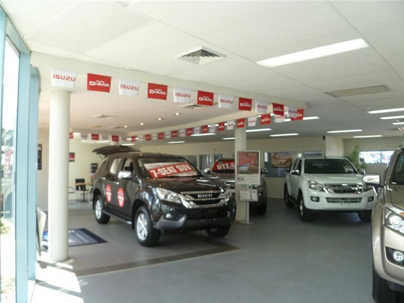 Ultimate Showroom + Secured Hardstand Central Maroochydore