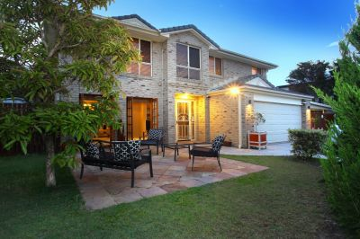 Huge Family Home in a Peaceful Pocket!