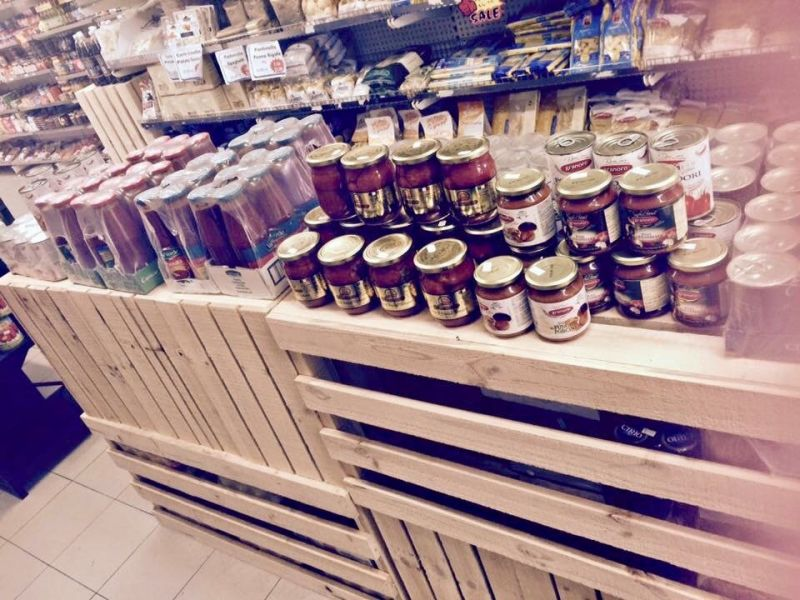 GOURMET FOOD/DELI – AWARD WINNING BUSINESS IN PRIME LOCATION