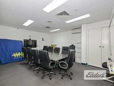 FULLY FITTED OFFICE AT HIGHLY COMPETITIVE RATES!