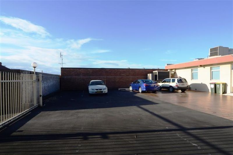 CITY SIDE OFFICE WITH 12 CAR PARKS