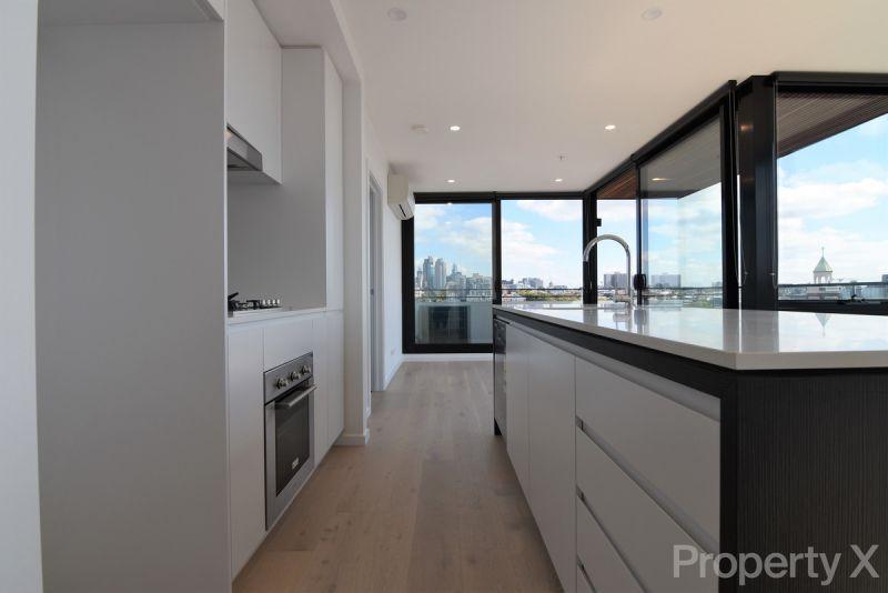 Corner Penthouse Apartment!