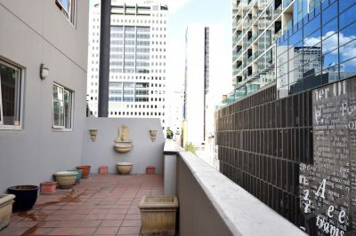 Dockside Tower: Fully Furnished CBD Gem with Huge Terrace!
