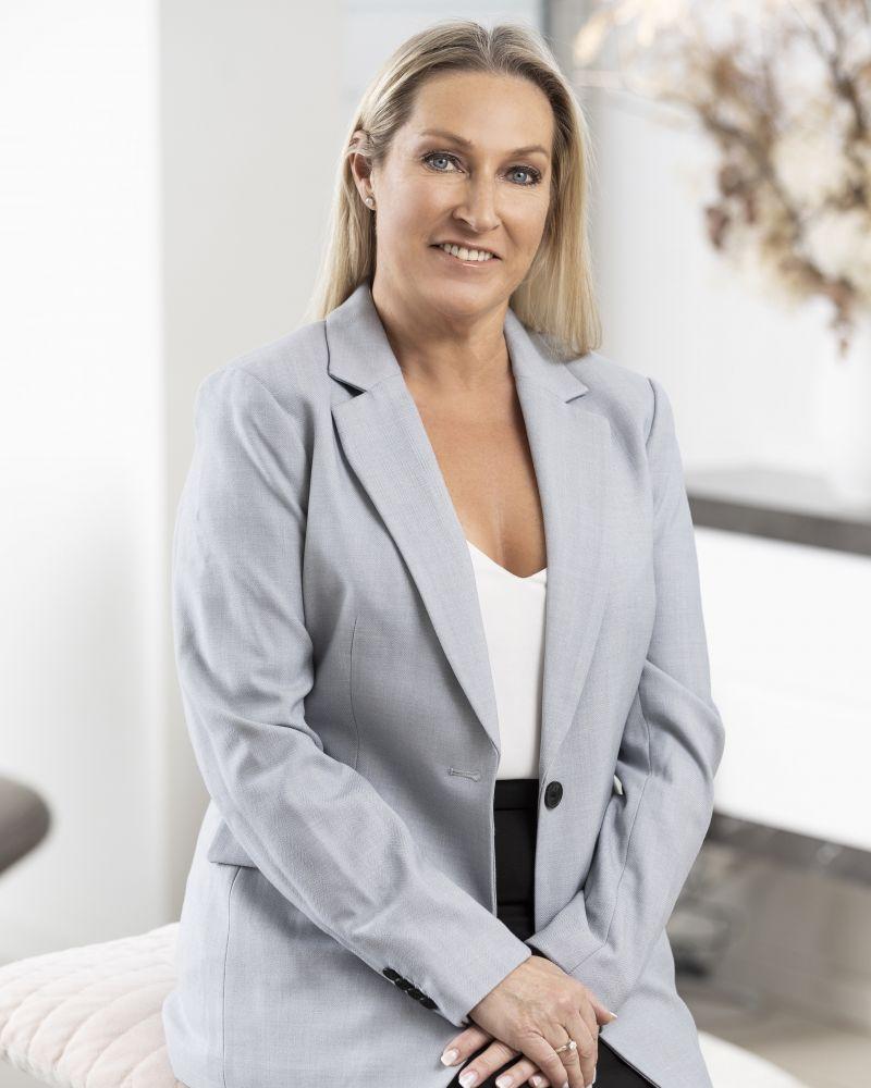 Lisa Sarusi real estate agent