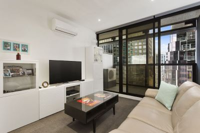 Stunning and Spacious Two Bedroom Two Bathroom Apartment in the CBD!