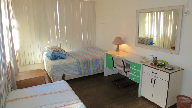 SHARE HOUSE - 3 DOUBLE ROOMS - FREE WI FI - NR BEACH