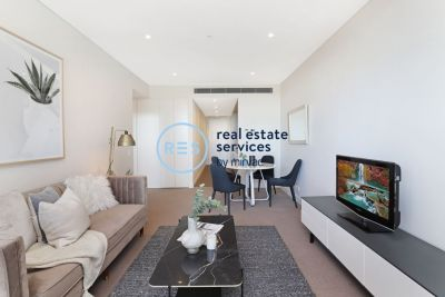 Sunny 1-Bedroom Apartment near Green Square Station