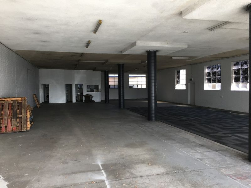 GROUND FLOOR RETAIL / SHOWROOM –CHEAP SHORT TERM LEASING OPPORTUNITY