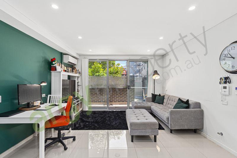 Spacious & Modern Grand floor home