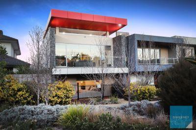 Stunning, Designer, Esplanade Living!