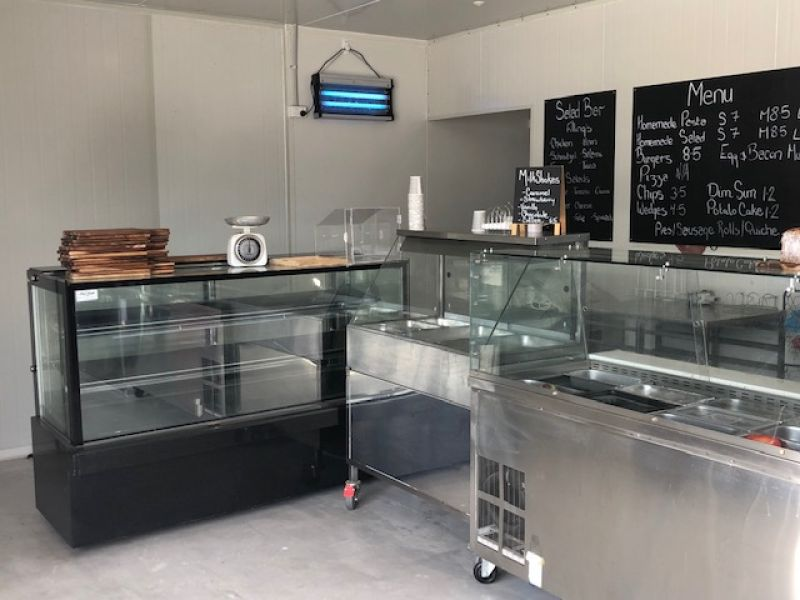 CAFE / HOSPITALITY OPPORTUNITY - COMES WITH FIT-OUT!