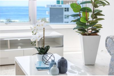 Luxury Designer Apartment With Spectacular Beach Views