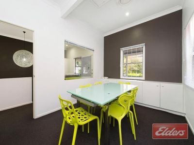 INNER-CITY COTTAGE SPACE