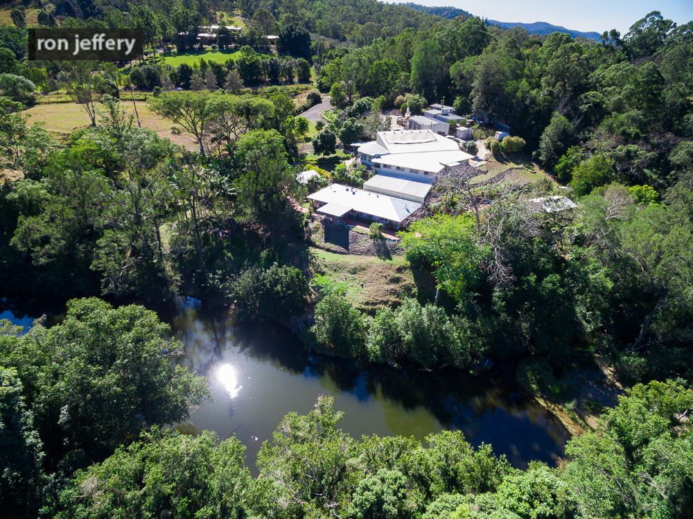 OPPORTUNITY AT SIXTH CROSSING - YABBA CREEK!