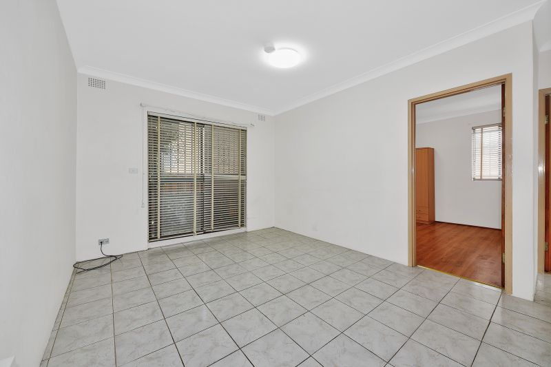 Ideally located refurbished apartment!