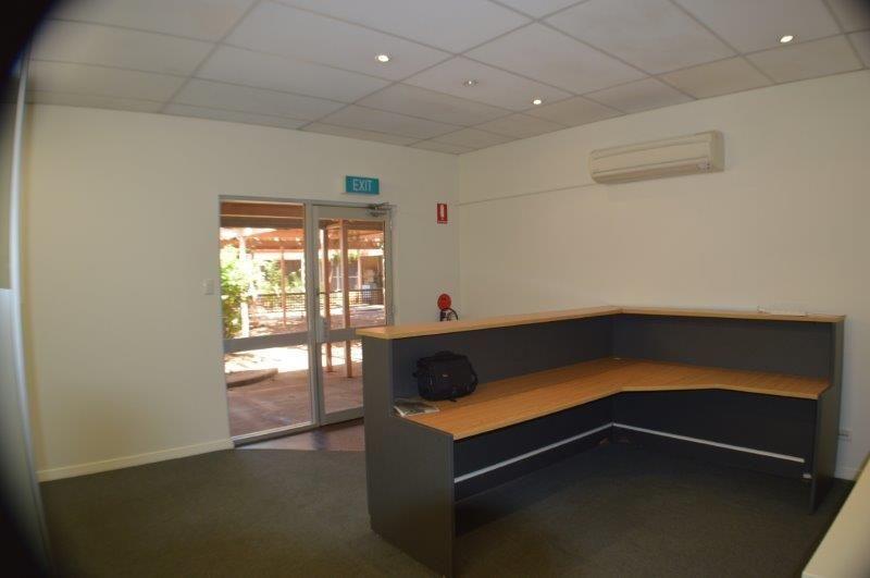 CBD RETAIL/OFFICE SPACE, PRIME LOCATION