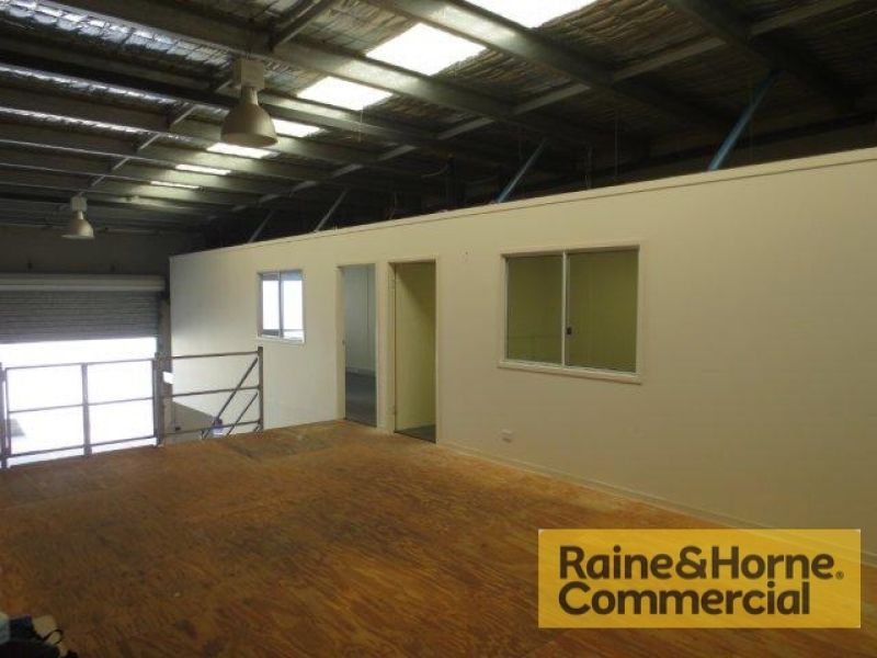 156sqm Warehouse/Manufacturing Unit in Small Complex of Six