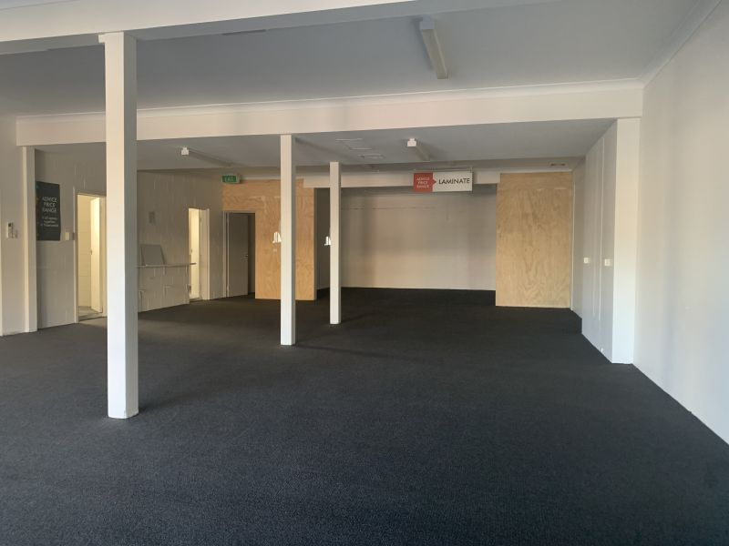 Showroom or Office in High Traffic Area - Motivated Owner