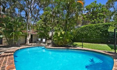 Get ready for Spring! Spacious one bedroom unit with pool in complex!