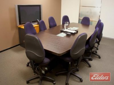 GROUND FLOOR FITTED OFFICE WITH GENEROUS INCENTIVES!